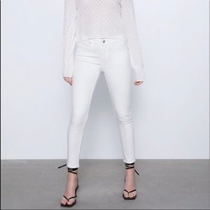 💕 ZARA COLLECTION White Skinny Jeans Sz 6 💕